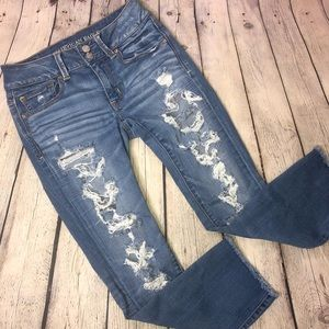 American Eagle Distressed Cropped Jeans
